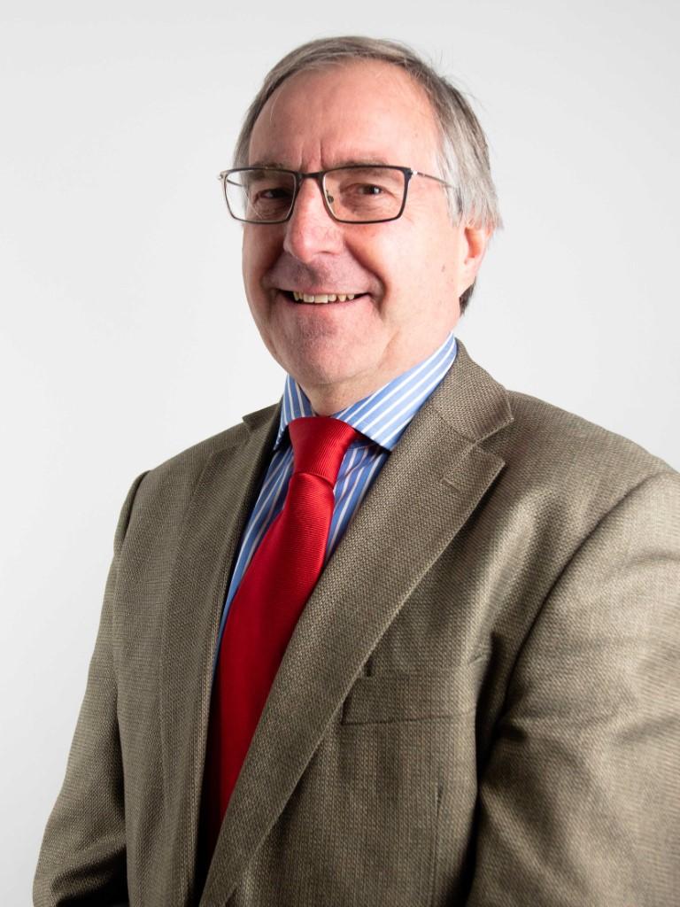 Ian Walker, FNAEA, FNAVA